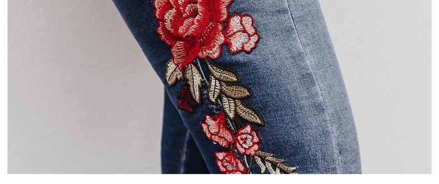 spring trend bordados no jeans capa