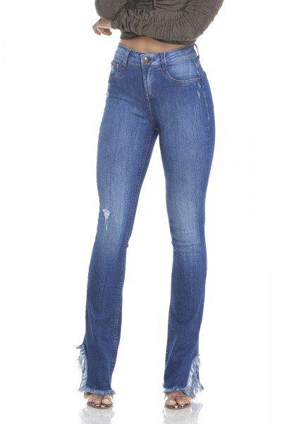 dz2947 calca jeans boot cut barra desfiada frente crop denim zero