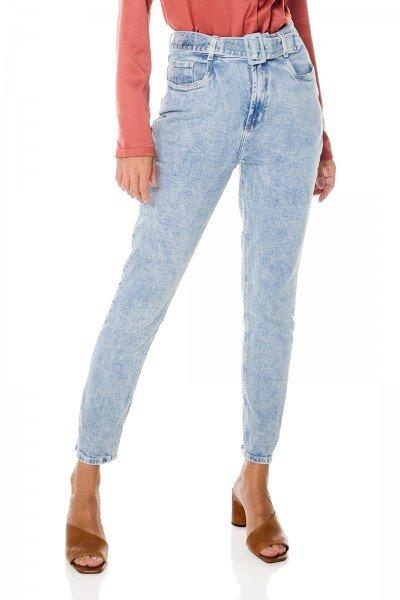 dz3685 com calca jeans feminina mom fit com cinto denim zero frente prox