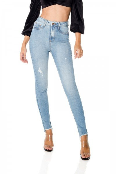 dz3682 re calca jeans feminina skinny hot pants barra irregular denim zero frente prox